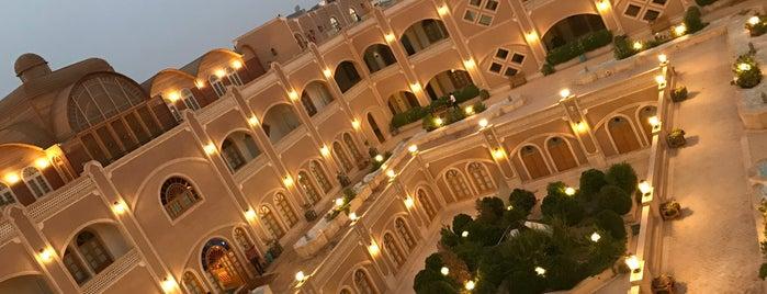 Daad Hotel | هتل داد is one of Posti che sono piaciuti a Metin.