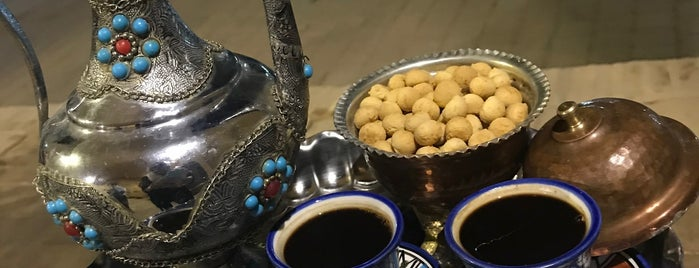 Laaris' House | خانه لاریها is one of Yazd.
