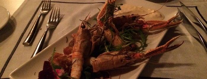 Ocean Club Restaurant Daios Cove is one of Greek Food Hangouts.