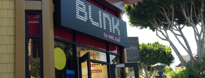 Blink by Wet Seal is one of Posti che sono piaciuti a Shamika.