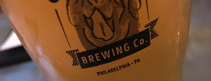 Chestnut Hill Brewing Company is one of Locais curtidos por Campbell.