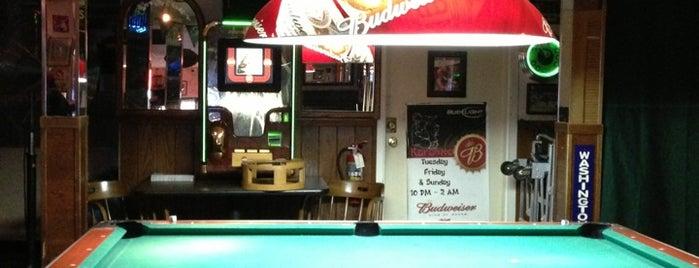 Moon's Family Sports Pub is one of Lieux qui ont plu à Meah.