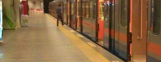Kocatepe - Kartaltepe Metro İstasyonu is one of Lieux qui ont plu à Colorful.