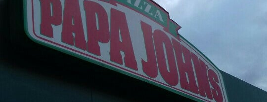 Papa John's is one of Locais curtidos por Armando.