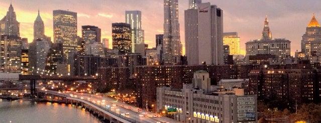 Ponte di Manhattan is one of NEW YORK CITY : Manhattan in 10 days! #NYC enjoy.