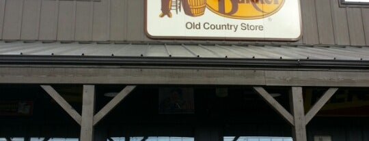 Cracker Barrel Old Country Store is one of Locais curtidos por Colin.