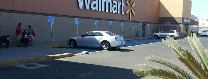 Walmart is one of Lieux qui ont plu à JO.