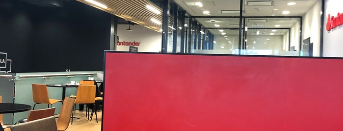Work Café / Banco Santander is one of A ver....