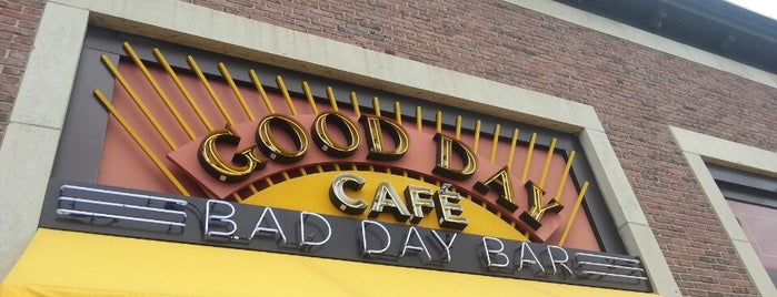 Good Day Café Bad Day Bar is one of Posti che sono piaciuti a Jen.