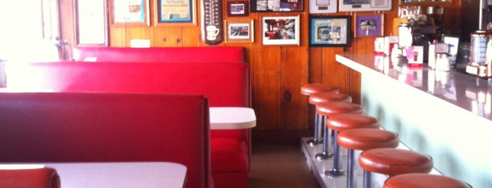 It's Tops Coffee Shop is one of Pacific Old-timey Bars, Cafes, & Restaurants.