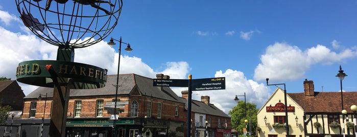 Harefield Village Green is one of Mary C'ın Beğendiği Mekanlar.