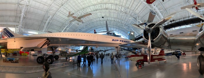 Smithsonian National Air & Space Museum is one of Lieux qui ont plu à Brandon.