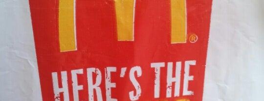 McDonald's is one of Orte, die Omar gefallen.
