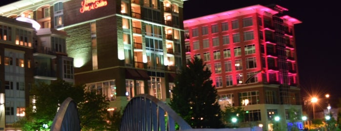 Hampton Inn & Suites by Hilton Greenville RiverPlace Downtown is one of USA - Hotel.