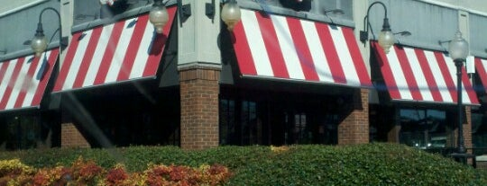 TGI Fridays is one of สถานที่ที่บันทึกไว้ของ Ronald.