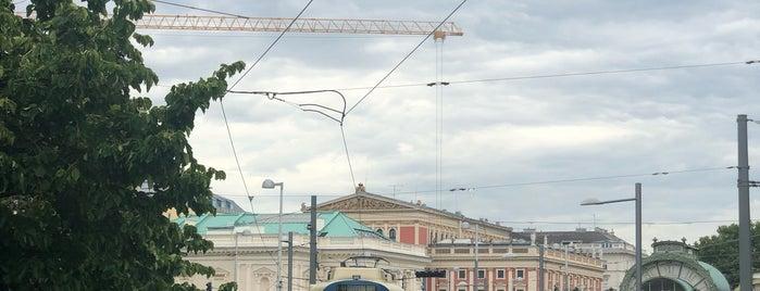 Otto Wagner Pavillon Karlsplatz is one of Vienna my love.