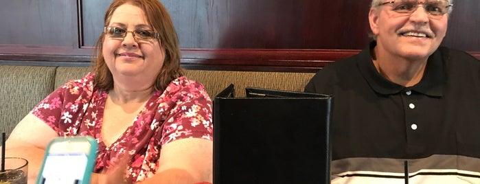 Black Rock Bar & Grill is one of Posti che sono piaciuti a Amy.