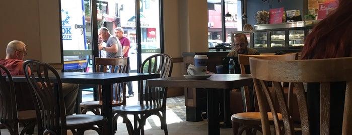 Caffè Nero is one of Mehmet Koray'ın Beğendiği Mekanlar.