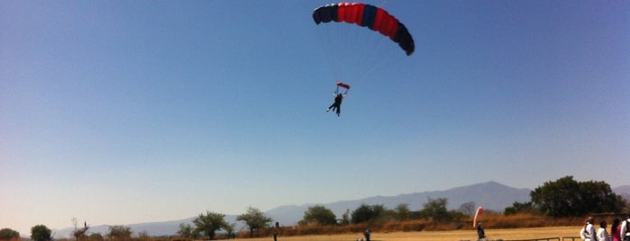 Skydive México is one of D.F..