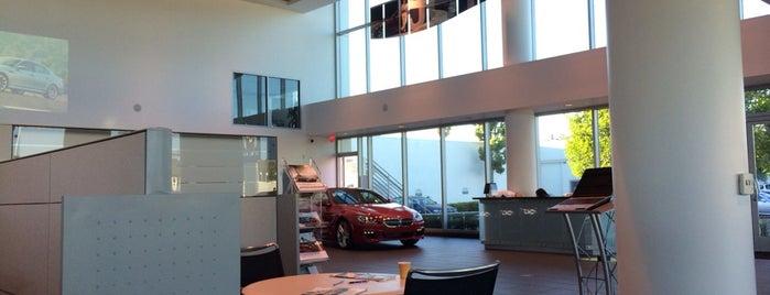 Center BMW is one of Tempat yang Disimpan Pearfect.