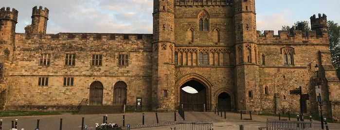 Battle Abbey is one of Exploring UK.