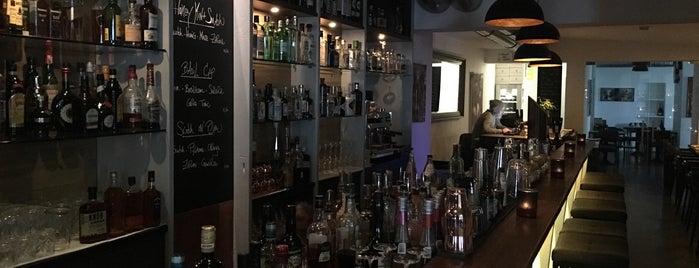 TRARES Restaurant & Bar is one of สถานที่ที่บันทึกไว้ของ Anechka.