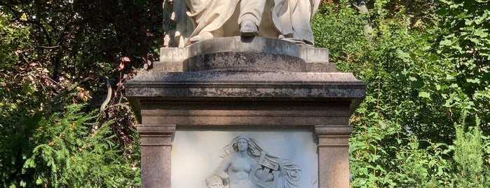 Franz Schubert Denkmal is one of SO.