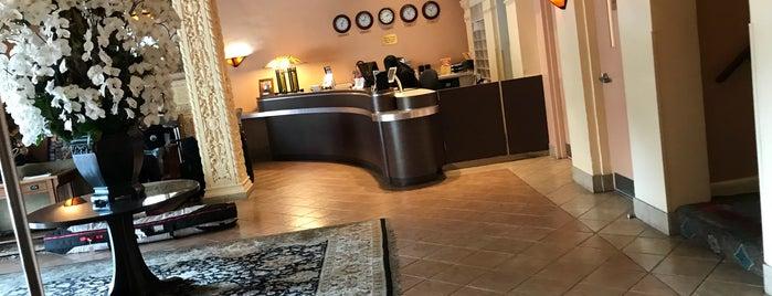 Hotel Carmel-By-The-Sea is one of David & Dana's LA BAR & EATS!.
