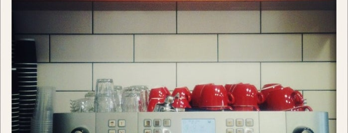 Kafetopio Coffee Roastery is one of สถานที่ที่บันทึกไว้ของ Emre.