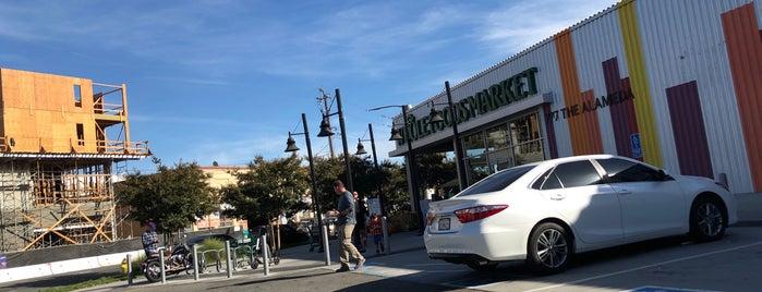 Whole Foods Market is one of Jeremy'in Beğendiği Mekanlar.