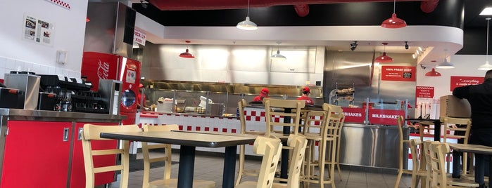 Five Guys is one of Tempat yang Disukai Elijah.
