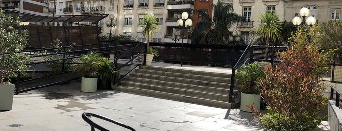 Edificio Los Galgos is one of Bares Notables.