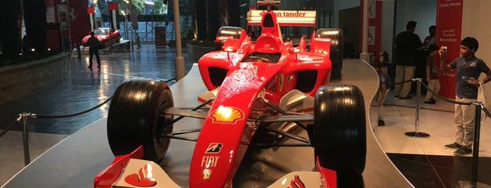 Ferrari World Abu Dhabi is one of Lugares favoritos de Βεrκ.