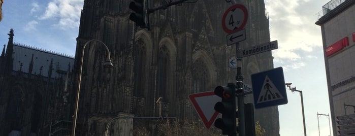 Catedral de Colonia is one of Lugares favoritos de Βεrκ.