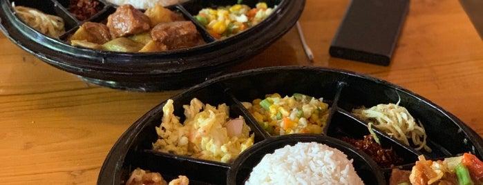 Queen Restaurant is one of Tempat yang Disukai Keda.