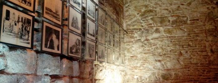 Bornet Internet Cafe is one of Sitios con WiFi en Barcelona.
