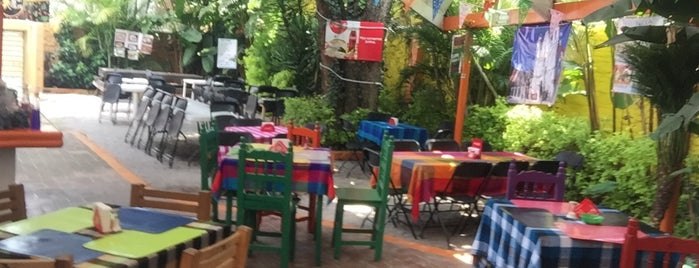 Antojitos Juquilita is one of สถานที่ที่ Rebeca ถูกใจ.