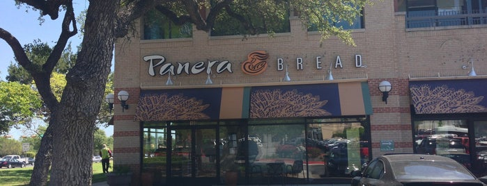 Panera Bread is one of Tempat yang Disukai Matt.