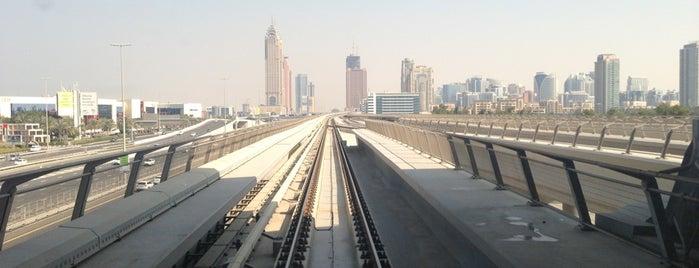 Nakheel Metro Station is one of Posti che sono piaciuti a George.
