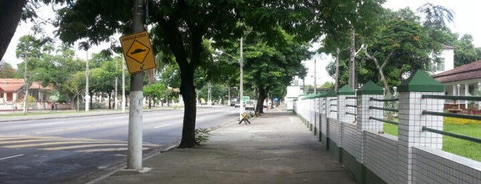 Vila Militar is one of Tempat yang Disukai Clau.