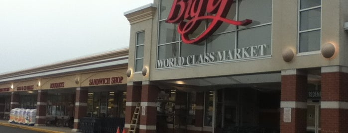 Big Y World Class Market is one of Orte, die Drew gefallen.