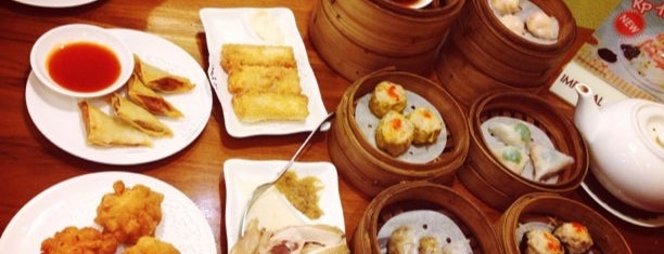 Imperial Kitchen & Dim Sum is one of Tempat yang Disukai Rachmat.