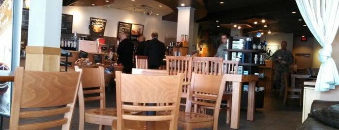 Starbucks is one of Locais curtidos por Chris.