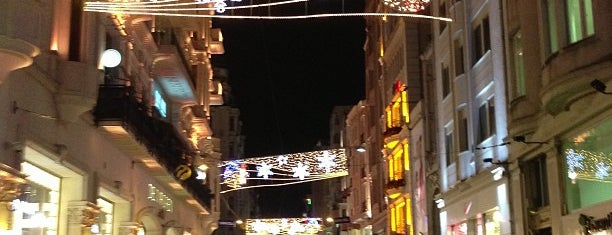 İstiklal Caddesi is one of Top favorites.
