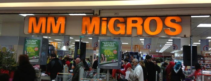 Migros is one of Locais curtidos por Hilal.