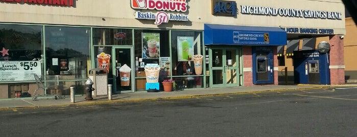 Dunkin' is one of Lugares favoritos de Jamielee.