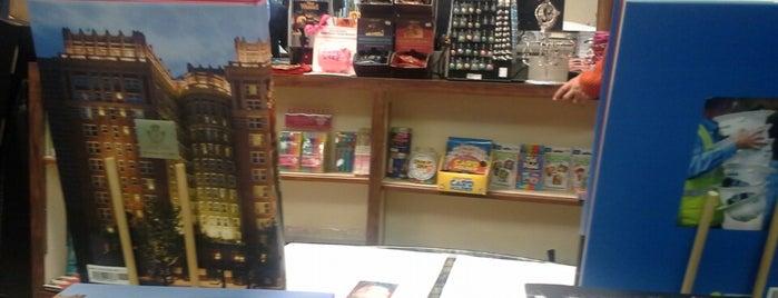Best of Books is one of Kristena'nın Beğendiği Mekanlar.