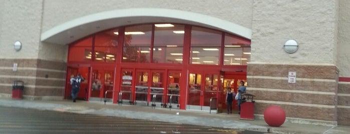 Target is one of Tempat yang Disukai Lindsaye.