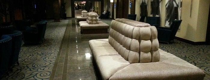 Holiday Inn London - Kensington is one of Locais curtidos por Andriy.