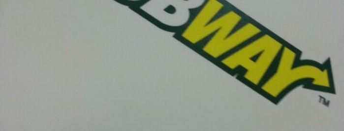 Subway is one of สถานที่ที่ Marcus ถูกใจ.